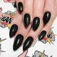 Algunos de nuestros servicios son las uñas esculpidas en acrilico natural,con. 50 Dramaticos Disenos De Unas De Acrilico Negro Para Mantener Su Estilo En El Punto 2021 Princesas