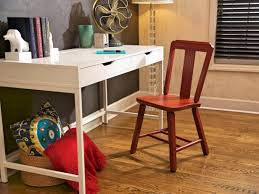 How to Strip and Repaint a Wood Chair how tos