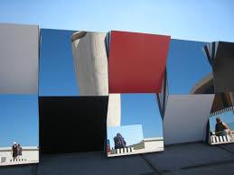Buren Sur Le Toit De La Cite Radieuse Du Corbusier à Marseille Aout