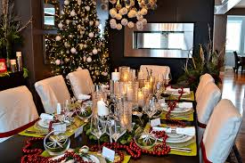 ... Fabulous Christmas decorations for the modern dining room [Design: AMR  Design]