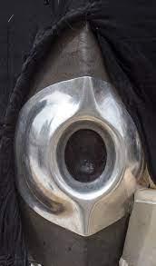 الحجر الأسود وإطاره الفضي في الكعبة