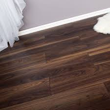 laminate flooring dark oak ac4 8mm 2 22m2