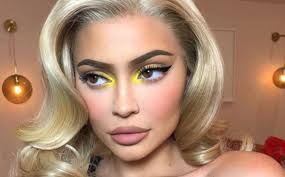 kylie jenners most glamorous makeup looks to copy