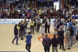 L'addio di Josh Mayo al Napoli Basket arriva con un'impresa: 92-89 alla  Virtus Bologna