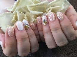 Nail Salon Freestyleシェルパーツで夏らしいホワイト色変えネイル