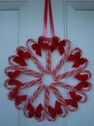 Best 25 Christmas Yarn Wreaths Ideas On Pinterest  Tulle Wreath Candy Cane Wreath Christmas Craft
