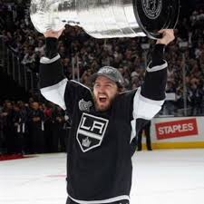 flyers kings richards mike richards with the stanley cup hockey pinterest hockey