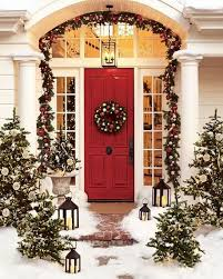 Decorations:Lovely Porch With Christmas Party Decor And Red Front Door Feat  Bow Wreaths Also