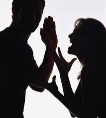 Resultado de imagem para imagem de casal brigando