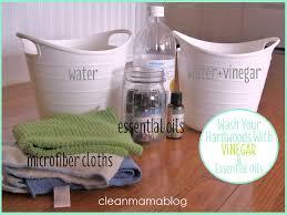 how to clean hardwood floors with apple cider vinegar