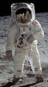 Datei:Buzz Aldrin Apollo Spacesuit.jpg – Wikipedia