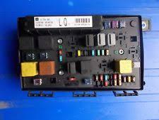 buy vauxhall zafira fuses & fuse boxes ebay zafira b fuse box location 2008 vauxhall zafira b fuse box 13268306