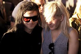 Skrillex Hair Style is there a notugly way to grow out a skrillex cut 4994 by wearticles.com
