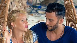 In addition to the seven husbands of. Bachelor In Paradise Domenico De Cicco Evelyn Burdecki Haben Sich Total Geliebt