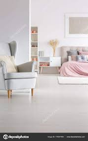 Freifläche Pastell Schlafzimmer Stockfoto Photographee