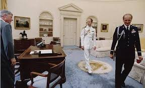 clinton oval office. clinton oval office carpet blue and gold w