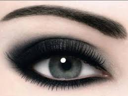 tutorial smokey eyes agar mata terlihat lebih cantik dan indah
