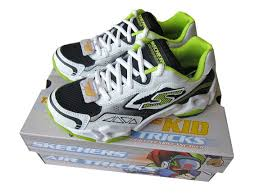 skechers shoes for boys. skechers trainers running shoes boys/girls white leather uk10.5 kids-uk3 adult for boys