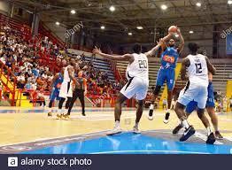 Neapel, Italien. Juni 2021. Gevi Napoli Basket besiegte APU Old Wild West  Udine 57-53 im zweiten Spiel des Spiels, das im Palubarbuto von Neapel  gespielt wurde, den endgültigen Sieg des dritten Spiels,