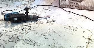 Ein bohrhammer mit einem flachen aufsatz ist diese methode ist meist nicht zu empfehlen, da so löcher und dellen im fußboden entstehen können. Fliesen Entfernen Leicht Gemacht Fliesen Kemmler
