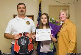 vfw s winners of voice of democracy patriot s pen essay sarah verschoor age 14 center receives the voice of democracy award on dec 12 from fallbrook veterans of foreign wars vfw post 1924 for her essay on