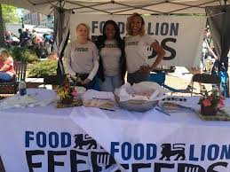 food lion helps smoke out hunger at hub city hog fest in spartanburg north ina