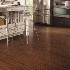 maple hardwood floor. Features Maple Hardwood Floor