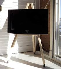 diy tv display easel on wheels