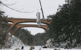 Bridge Transports Off Wisconsin - Truck Plunges I-90 94 Lake Into