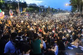 ภาพชุดบรรยากาศการชุมนุมประชาชนปลดแอกช่วงค่ำ