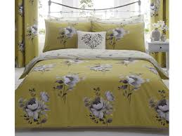 this elegant flly inspired set looks a lot more expensive than it is and we love the stylish mustard white and grey fl design