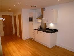 1 Bedroom Flat/apartment In 19 Pinner Road