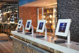 the future of hotel s front desk can a machine replace a human