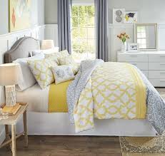 Image Gardens 2d796b34b8195a5c5d3c9a800e001463jpg Pinterest Reversible Comforter And Coordinating Pillows Offer Multiple