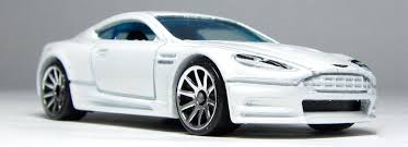 First Look: Hot Wheels Aston Martin DBS in white (and the tail ...