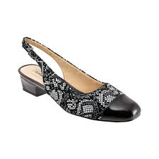 Womens Trotters Dea Size 105 N Black Python Print Leather