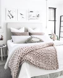 i will be making one of these easy chunky throw blankets myself in white or grey i think we will update with photos when it s done