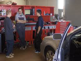 evit news evit auto students job shadow at local dealerships job shadowing 008 jpg