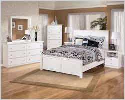 Looking For Bedroom Furniture Vintage Looking Bedroom Furniture Sets Bedroom Home Decorating