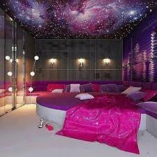 51 Charming Purple Accents Bedroom Designs : Breathtaking Purple Bedroom  Designs With Floor Lamp
