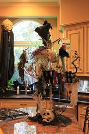 indoor outdoor tree halloween decorations ideas scary outside