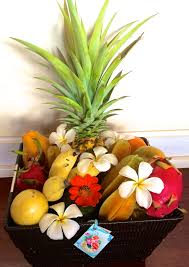 maui seasonal fresh fruit basket deluxe 1