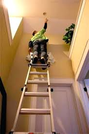 change light bulbs high ceiling how to change light bulb in high ceiling changing hard to change light bulbs high ceiling