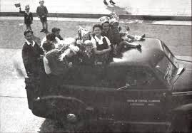 World War II 75th anniversary: Wollongong celebrated, strangers danced  together in the street | The Stawell Times-News | Stawell, VIC