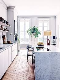 If there was one kitchen that defined French elegance, it's this one. The  traditional