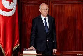 """الرئيس التونسي يهدد باستخدام الجيش ضد """"المبتزين"""""""