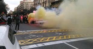 Resultado de imagen de Los CDR cortan varias carreteras y el AVE en Girona por el 1 de Octubre