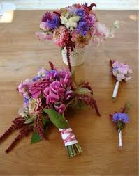 doing your own wedding flowers. diy flowers for a summer wedding doing your own