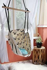 easy diy room decor ideas for teens girls and boys love this hammock chair