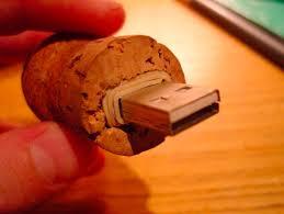 diy-wine-cork-art-projects-2